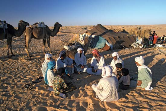 https://www.britannica.com/topic/Bedouin/images-videos